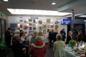 Kwiaty i obrazy w Galerii Foyer – nowa wystawa